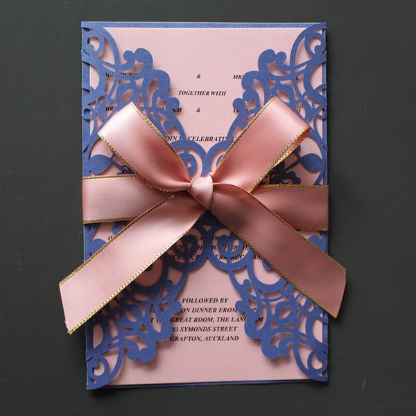 Compre La Tarjeta De Invitación De Boda Azul Con Inserto Envuelve La Cinta Rosa Grande De La Mariposa Decorada Fuente De La Invitación De Boda