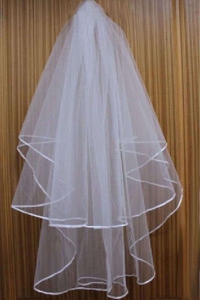 best selling Cheap Exquisit Short Bridal Veil Netting Two Layers With Comb With Ribbons Stain edge Wedding Veil Wedding Accessories White Ivory