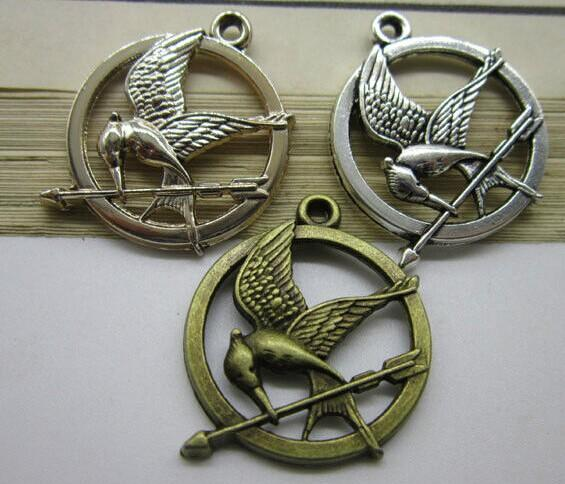100pieces/LOT 25mm ancient diy bronze silver bird hunger games badges charm pendant free shipping