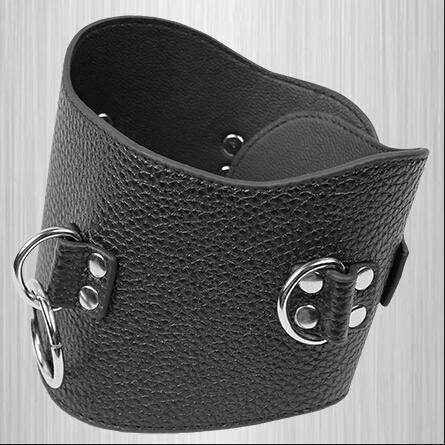 Leder gepolsterte Restraint Kragen Erwachsenen Slave Neck Collar Bondage Getriebe mit O-Ring enthalten andere BDSM Sex Spiel-Werkzeug