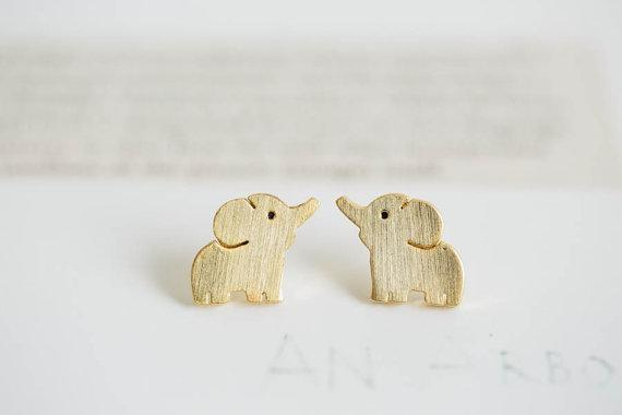 10Pairs Tiny Elephant Stud Earrings Fashion Design Cute Baby Elephant Earring Studs Kids Animal Jewelry for Women