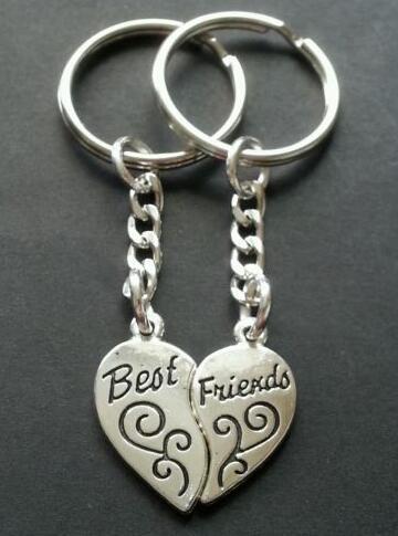 Vintage Silver Best Friends BFF Couple Keychain Heart Shape Handcuffs Key Chain For Keys Car Bag Key Ring Handbag Key Chains