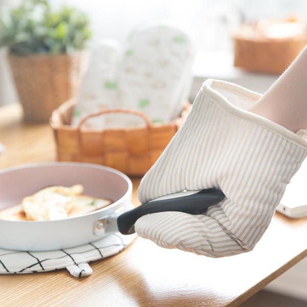 1Pcs Cotton Oven Glove Heatproof Mitten Kitchen Cooking Microwave Oven Mitt Insulated Non-slip Glove Thickening