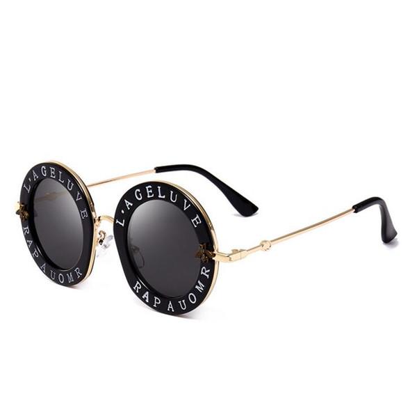 Trending Produkte 2018 Bee Designer Marke Luxus Frauen Sonnenbrille rosa Mode runden Brief Muster Vintage schwarz retro Sonnenbrille Frauen