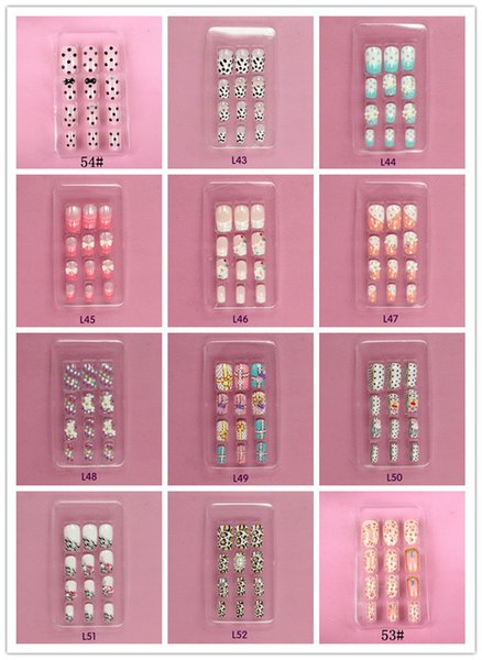 top popular :Nail art piece of Japanese metal rivets fake nails patch set of 24 piece of gum nail 2019