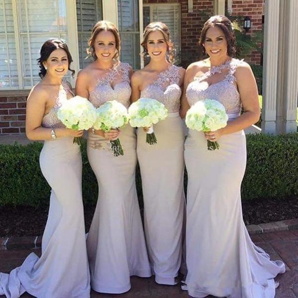 2020 Nueva sirena árabe Vestidos de dama de honor Un hombro Apliques de encaje Espalda abierta Satén Barrer Tren Vestido de novia Vestido de dama de honor