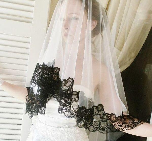Vente chaude Une Couche Tulle De Mariage Voiles De Mariée Avec Bord Noir En Dentelle Sheer Blanc Accessoires De Mariée Blush Veils