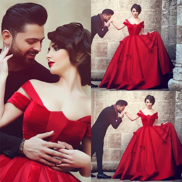 2016 Vintage Victorian Plus Size Red Ball Gown Wedding Dresses Arabic Hot Red Princess Bridal Gowns Off Shoulder Satin Garden Wedding Gown