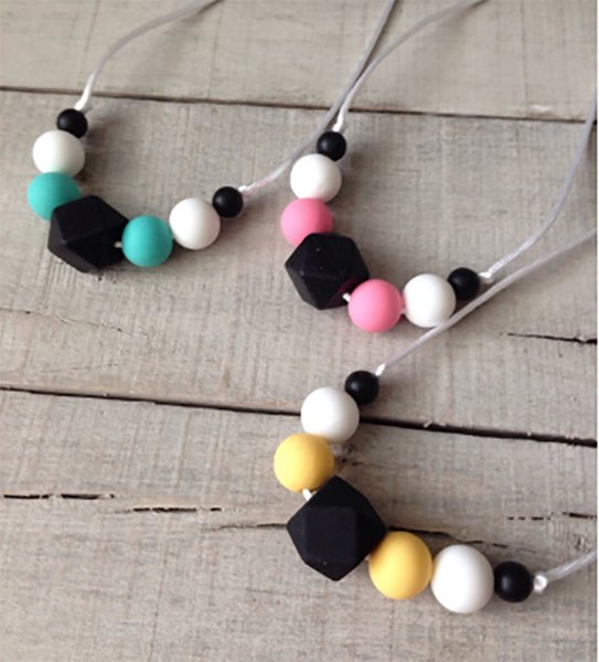 Black Geometric Beaded Teething Necklace Hexagon Silicone Beads Pendant BPA Free Chewable Nursing Teether Necklace Baby Jewelry