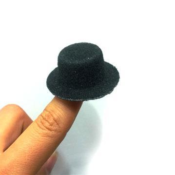 Wholesale-48pcs / lot liberano la base di Fascinator del mini cappello superiore del feltro del partito di gallina di trasporto. Cappello berretto da baseball 4cm BJD mini cappello fai da te