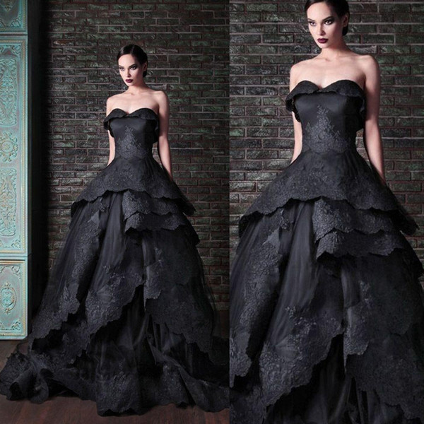 top popular New Gothic Black Wedding Dresses Vintage Sweetheart Ruffles Lace Tulle Ball Gown Sweep Train Tie up Back Bridal Gowns Custom W644 2021