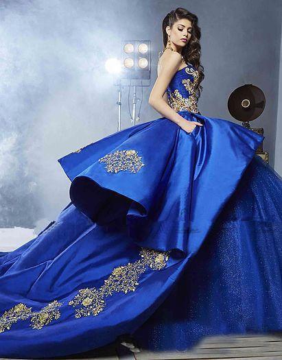 2018 Royal Blue Michael Cinco Ball Gown Wedding Dresses Modest Peplum Gold Applique Araibc Dubai Bridal Gown Cathedral Train Quinceanera