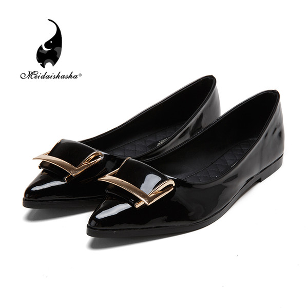 2015 new patent leather shoes low sweet leisure shoes set foot pointed shoes metal buckle