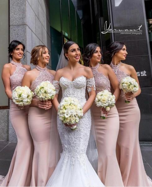Sexy Halter Sleeveless Mermaid Bridesmaid Dresses 2018 New Lace Top Long Train Maid Of Honor Gowns Country Style Wedding Guest Party Wear