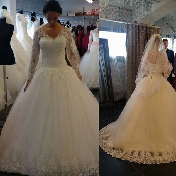 Afraic Deep V-Neck Wedding Dress 2018 Lace Appliques Ball Gown Bridal Dresses Vintage Long Sleeves Gowns for Bride Country Plus Size Modest