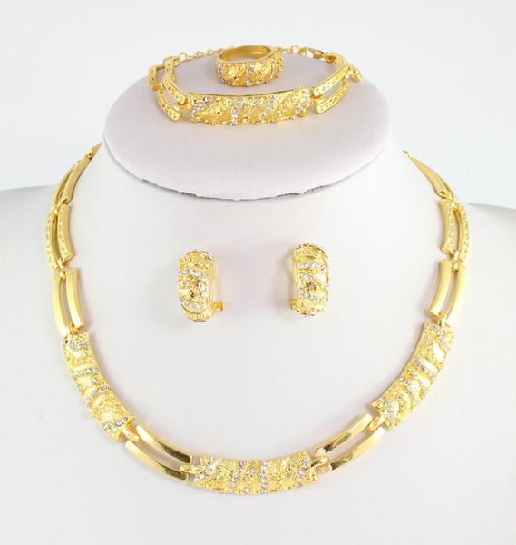 Accessori per abito da sposa con perline africane Costume da donna Partito in cristallo placcato in oro Collana indiana Set di gioielli per orecchini ad anello per orecchini