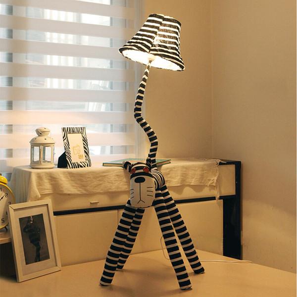 Lampada da cartone animato in tessuto 125 cm, camera da letto creativa soggiorno camera da letto comodino lampada da terra pastorale tipo gatto, lampada da tavolo moda moderna