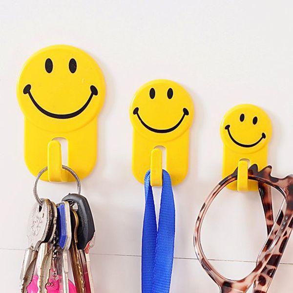 2017 Creative Home Cute Smile Face Hooks Christmas 3pcs Multifunction Bathroom Kitchen Towel Hanger Hook Home Storage Organization hooks