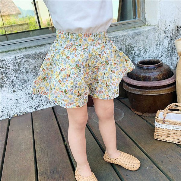 top popular 2021 New Foreign Style Floral Casual Wear Versatile Girl's Summer Children's Shorts 2021