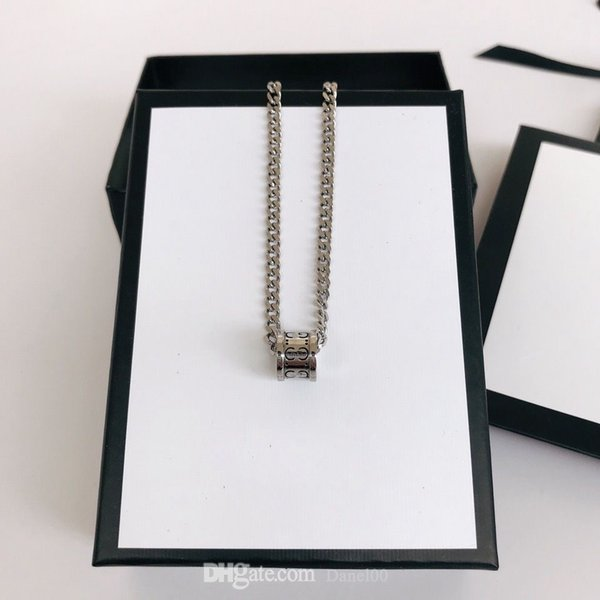 top popular Fashion Classic Necklace Street Brand Unisex Bracelet Designer Rings Circle Luxury Pendant Necklaces for Man Woman Jewelry 2021