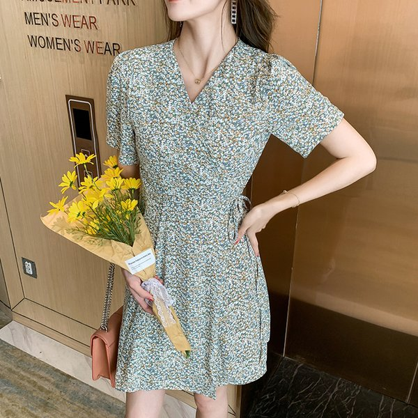 Floral Dress Short Sleeve Dresses for Women Clothing 2021 Summer Fashion V-Neck High Waist A-Line Casual French Dress Apparel Womens Clothing Dresses Casual Dresses Party Dresses Runway Dresses Street Style Dresses Work Dresses