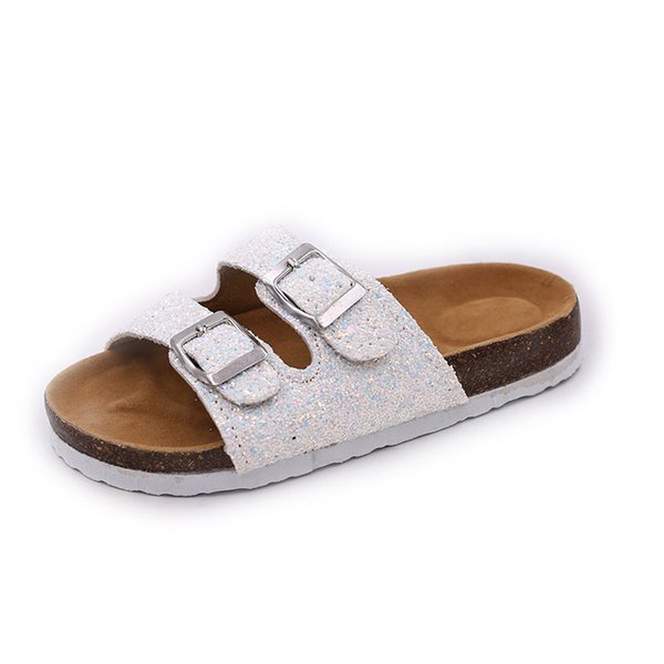 Slippers 2021 Summer Female Flats Shoes Shinning Sandals Fashion Slippers Sandals Big Size Wholesale Ladies New Slides