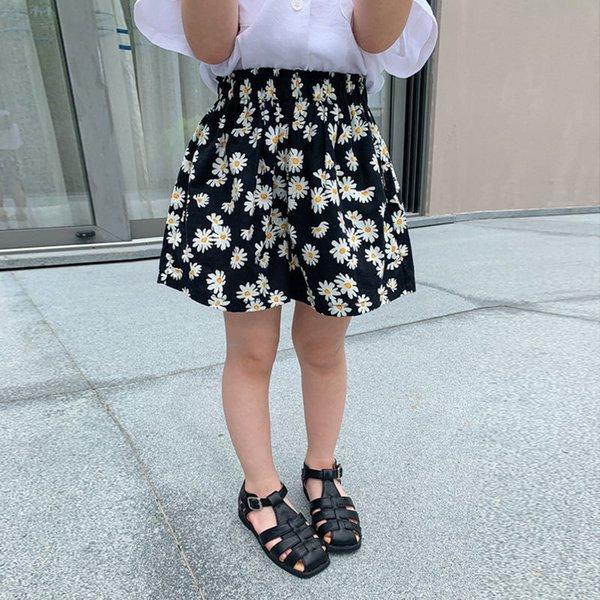 top popular Girls' Chrysanthemum Shorts Korean Version 2021 New Printed Children's Beach Summer Fashion Foreign Style Girls' Pants 2021