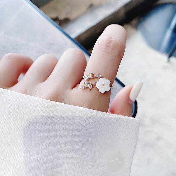 Fashion Jewelry Rings Korea's New Exquisite Crystal Flower Ring Fashion Temperament Sweet Versatile Love Opening Ring Female Jewelry