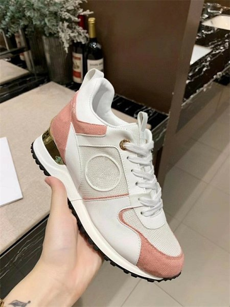 2021 Women Men Rhyton Casual Shoes Classic Paris Dad Platform Leather Shoes Sneakers Dad Sneaker Zapatos