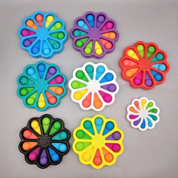 top popular Flower Shape Stress Relief Sensory Fidget Party Favor Bubble Toys Push Pop It Simple Dimple Key Ring Squeeze Finger Fun Keychain Unicorm Bubbles Board 15cm 2021