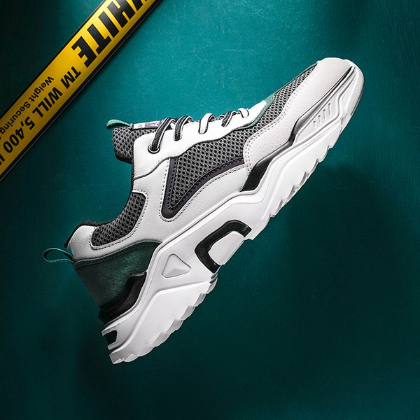 Breathable Holes Men Sneakers Summer Breathable Shoes Super Light Casual Shoes Male Tenis Masculino Sneakers White Leisure shoes