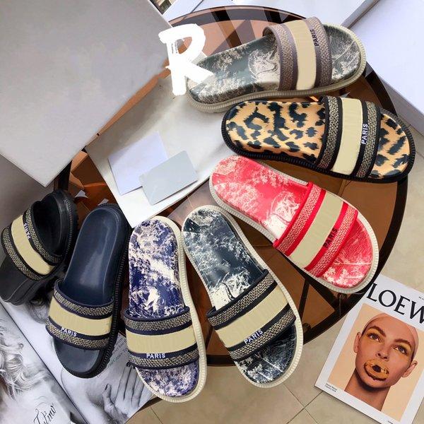 best selling Classic Ladies Sandals Jacquard Embroidered Print Slippers Luxury Designer Floral Brocade Flip Flops Platform Casual Flats 35-41