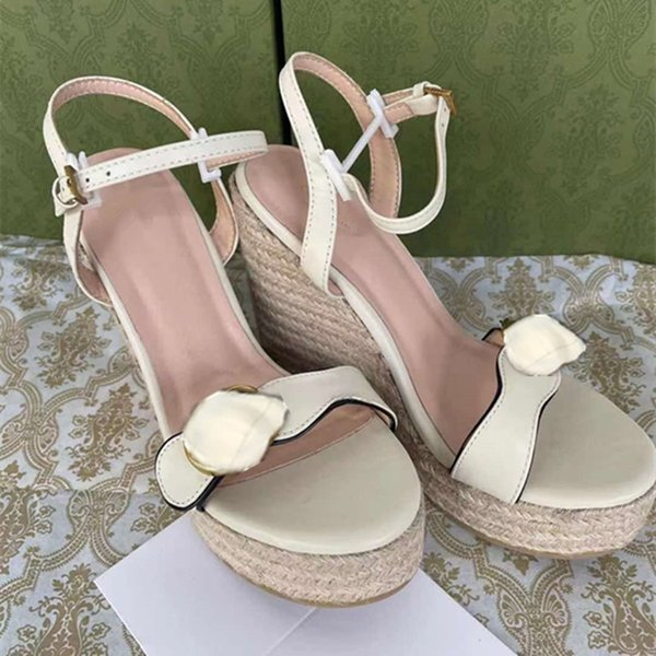best selling 2021 fashion designer's latest womens slopes heels sandals hemp rope weaving table leather metal buckle decoration luxury comfortable slope heel shoes