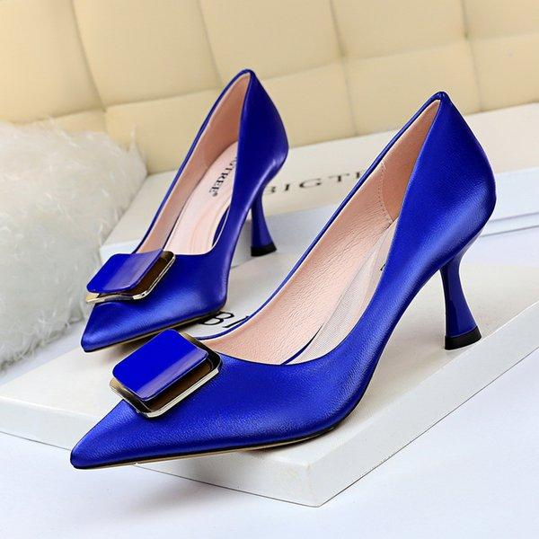 2021 New Kitten Heels Metal Button Women Pumps Office Shoes High Heels PU Leather Women Heels Red Black Women Shoes Plus Size 43