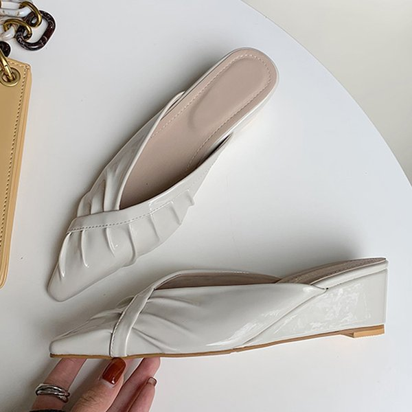 2021 Women Slippers Fashion Wedges Heels Slides Shoes Pleated Casual Slip On Mules Sandals Female Ladies Slides Slippers Shoes