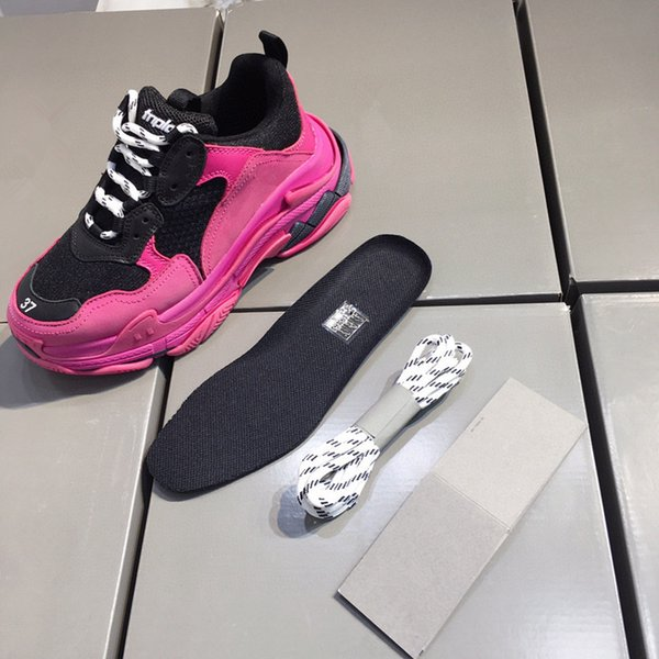 Fashion Triple-s fashion Paris 17FW Triple s Sneakers for men women black white green Casual Dad Shoes tennis increasing