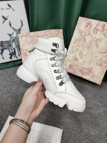 Spanish designer 2021SS sneakers designer women and men sneakers comfortable cowhide high quality