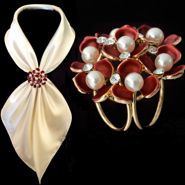Fashion Jewelry Women Broaches Gold Plated Pearl Rhinestone Enamel Flower Scarf Clips Wedding Brooch For Women Wholesale 12Pcs