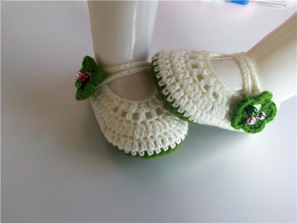 Fashion Baby crochet shoes baby girls booties with green flower Handmade Baby Socks infant bell Newborn Shoes/Toddler Shoes 0-12M customize