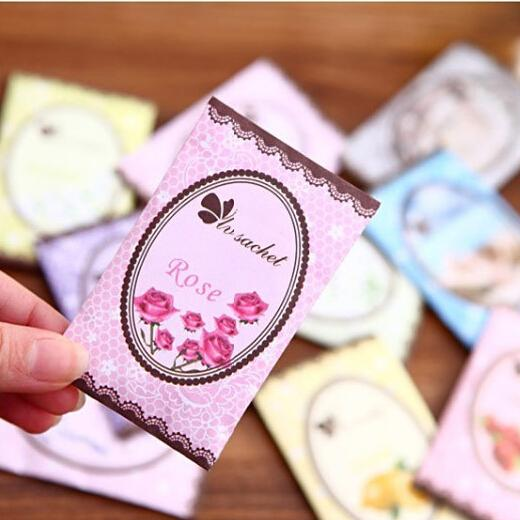 top popular Cheap Car Interior Accessories Air Freshener Perfume Car Spice Bags Hanging Aromatherapy Bag Free Shipping 12 kinds of the aromatic 2020