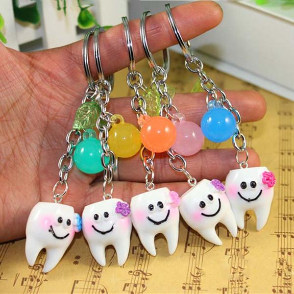 Nueva Interesante Simulación Linda de Dental Key Chain Sonrisa Dental Lock Anillo Accesorios Dental Hospital Odontología Regalo