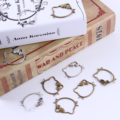 Nova moda de prata / cobre retro Olá Kitty Pingente Fabricação DIY jóias pingente fit Colar ou Pulseiras charme 80 pçs / lote 4667 w