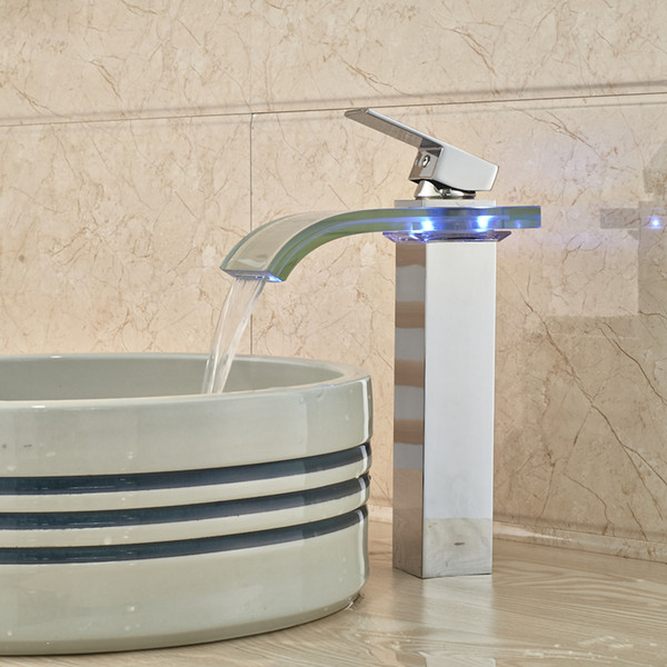 Großhandel und Einzelhandel Becken Countertop Wasserhahn LED Ändern Chrome Finish mit Einhand
