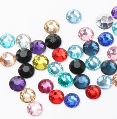 Yeni Diy 5000 adet 6mm Yönlü Reçine Rhinestone Taşlar Gümüş Düz Geri Kristal Gevşek Elmas Boncuk 16 Renkler