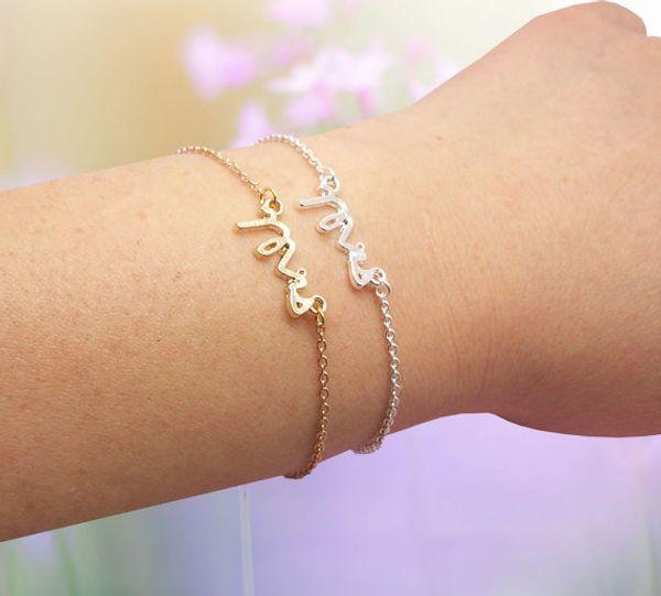 30PCS-B030 Gold Silber einfache zierliche Frau Armband kleine gestempelt Wort Armband kleine Liebe erste Alphabet Buchstaben Armbänder