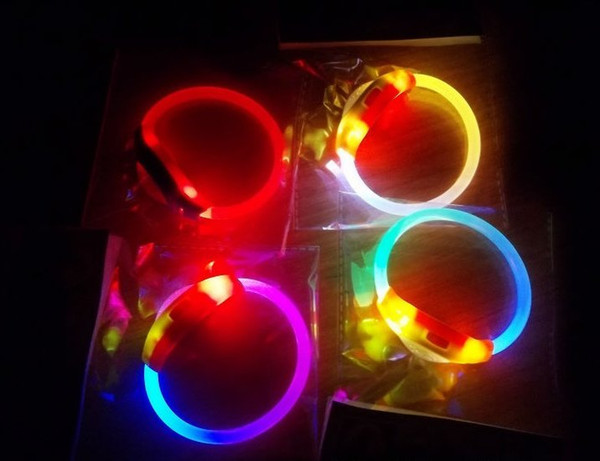 Wholesale-LED Flashing Bracelet LED Bangle Flashing Bracelets Blinking Spike Bracelets for Party Christmas 20pcs/lot . Free drop shipping