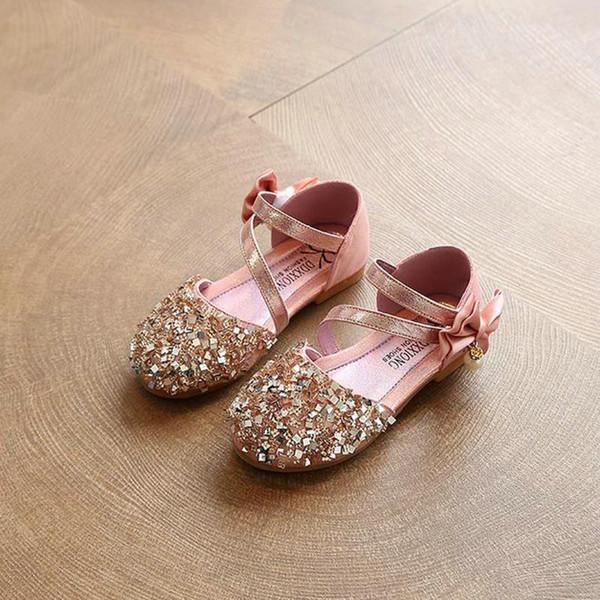 2017 Niños Princesa Glitter Sandalias Niños Niñas Zapatos Suaves Plaza de tacón bajo Vestido de Fiesta Zapatos Rosa / Plata / Oro Size21-30 06d