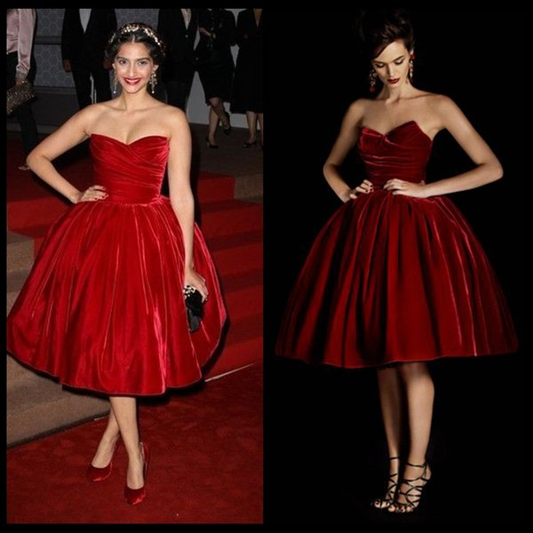 Vintage Velvet Ball Gown Cocktail Dresses Strapless Off The Shoulder Sleeveless Knee Length Pleats High Quality Short Cocktail