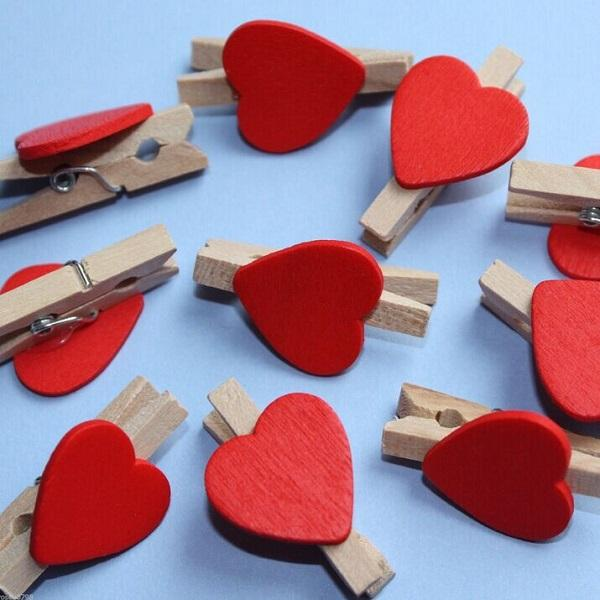 50pcs/bag, Mini Wooden Red Heart Pegs Wedding Table Place Card Holders Craft Love, 3x2cm