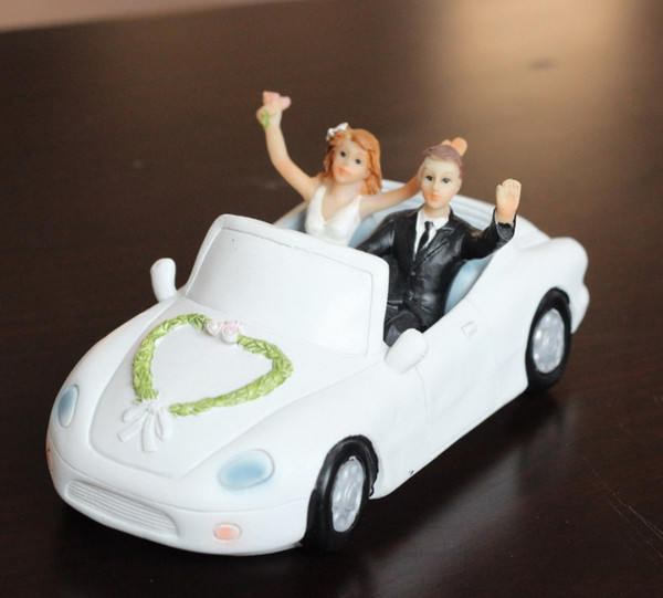 best selling New Arrival Bride And Groom In The Car Wedding Cake Honeymoon Trip Cake Toppers Personalized Wedding Gifts Decorations Free Shipping